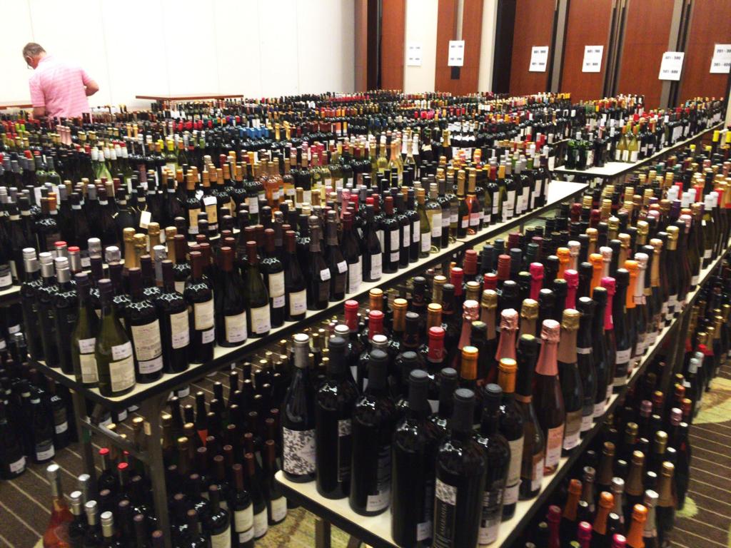 JWCワインコンテストお手伝い