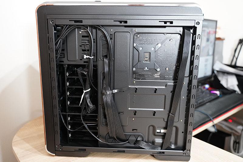 サイコムBTO PC 背面ケーブル