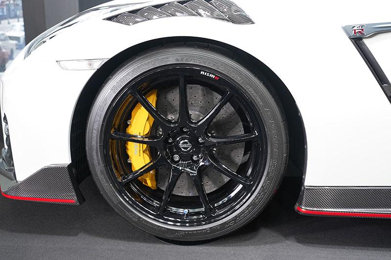 GT-R 2020 NISMO 黄色のブレーキキャリパー