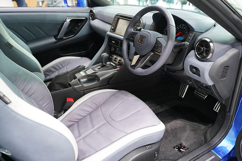 GT-R 2020 コックピット