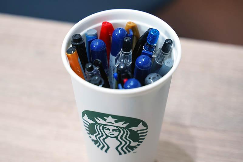 リユーザブルカップのペン立てリユース