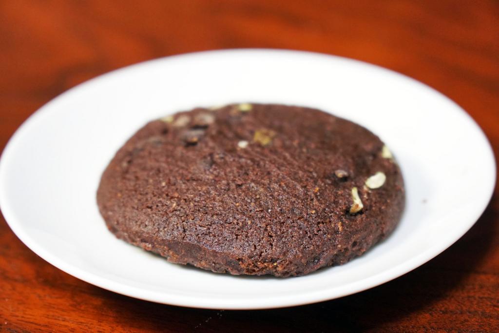 マイプロテイン:リーン クッキー:ダークチョコレート&ベリー