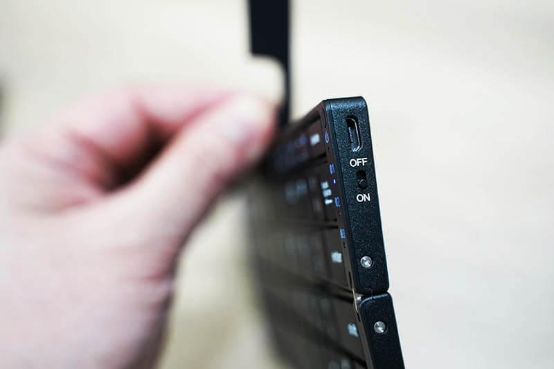 iClever Bluetoothキーボード