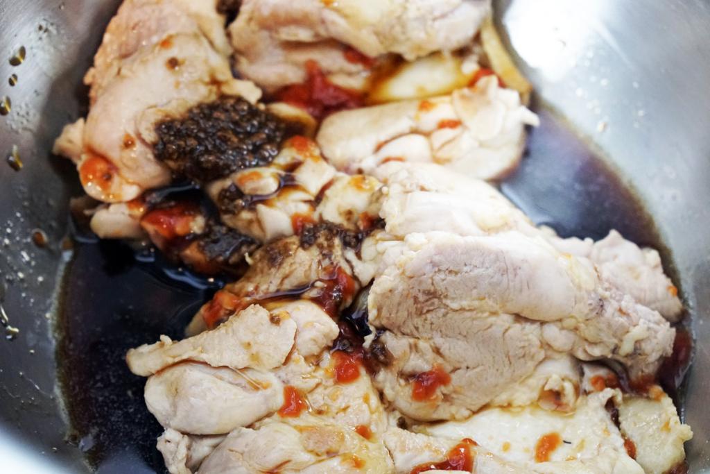 第11位:鶏のふっくらつや煮 調理風景