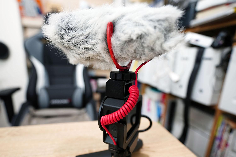 ulanzi G8-5 Vlog CageにRode VideoMicroを装着(背面)