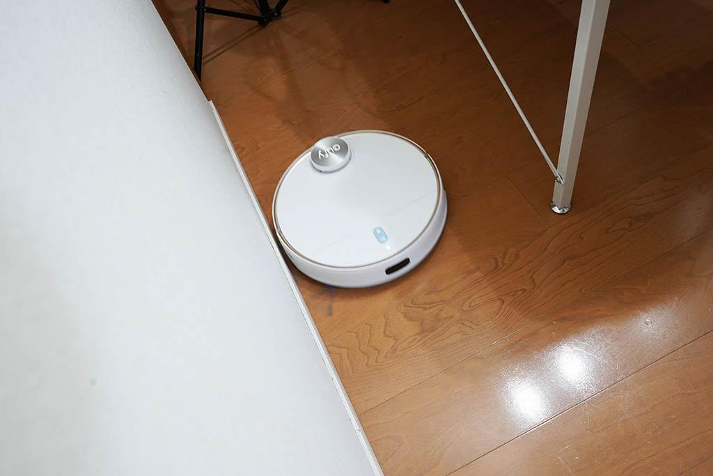 Eufy RoboVac L70 Hybrid:掃除風景1。まず部屋の外周を確認