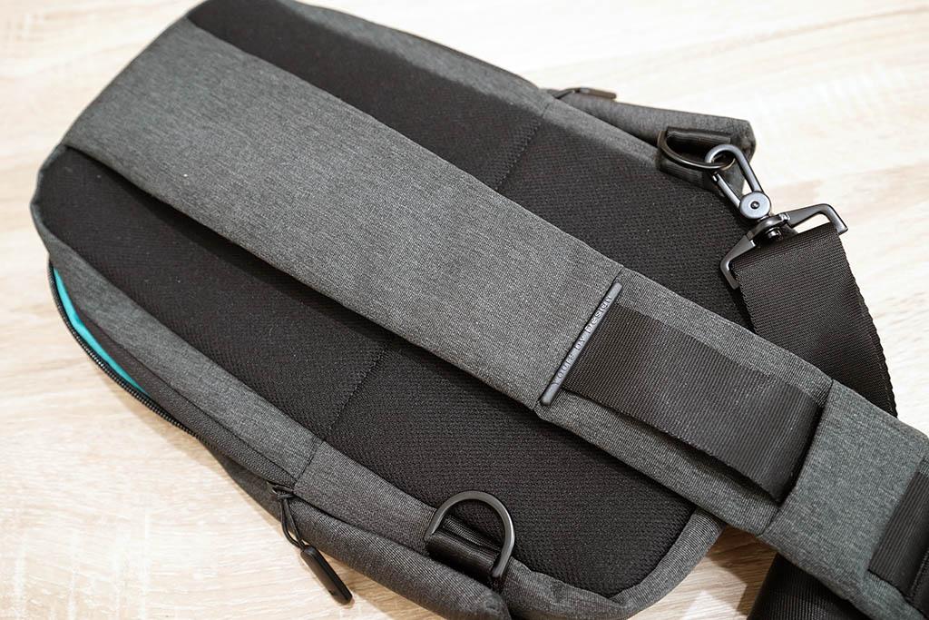 Xiaomiボディバッグ:背面