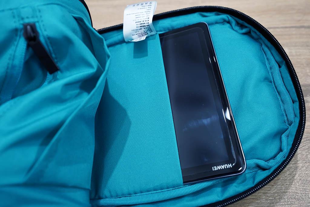 Xiaomiボディバッグ:メインコンパートメント内側のポケット