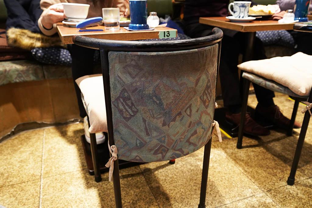 喫茶アメリカン店内:椅子