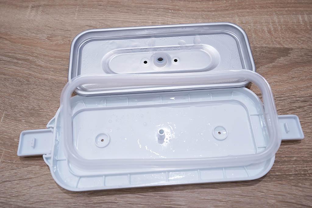 おひとりさま用超高速弁当箱炊飯器:フタも分解が簡単で洗浄しやすいです