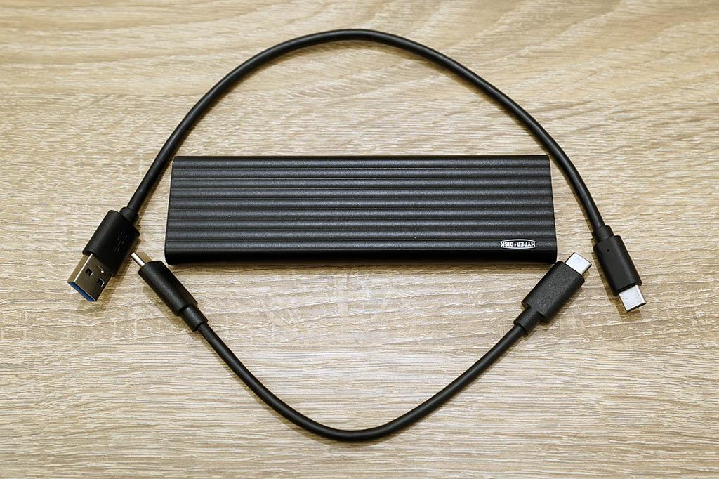 HyperDisk:同梱物は本体と接続ケーブル2本