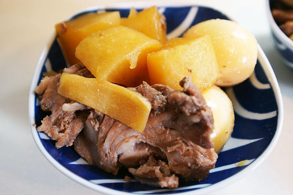ホットクックで調理した豚大根煮を食す