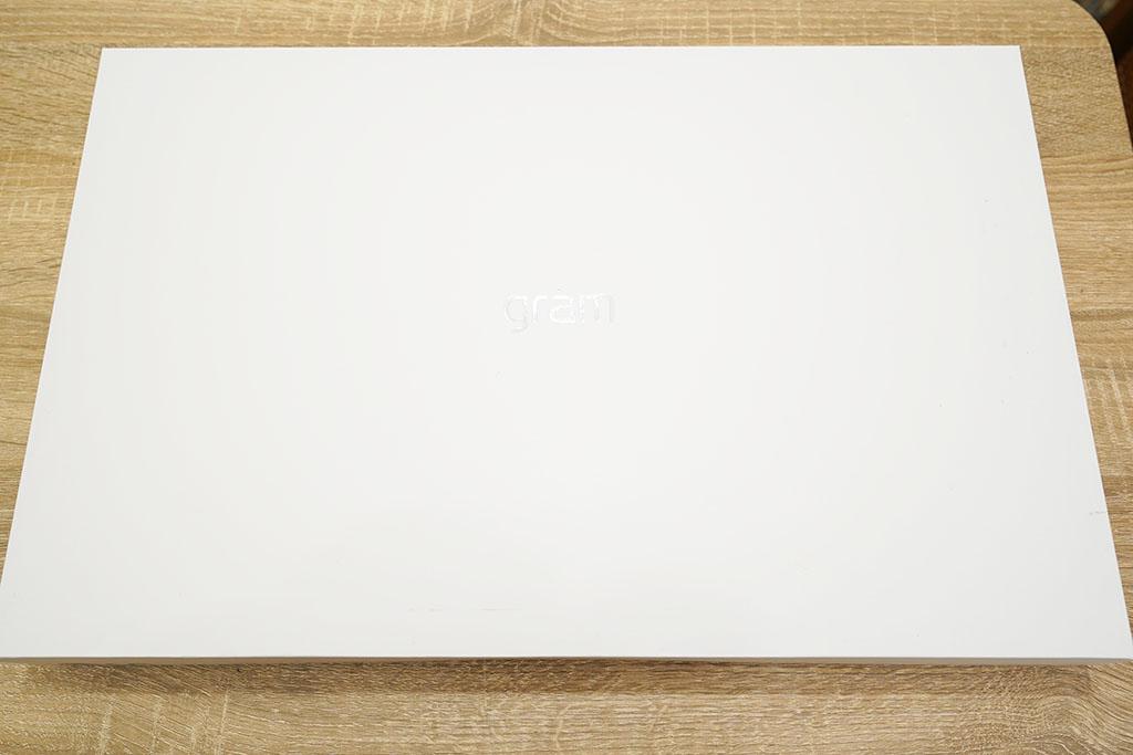LG gram 17Z90N:パッケージ