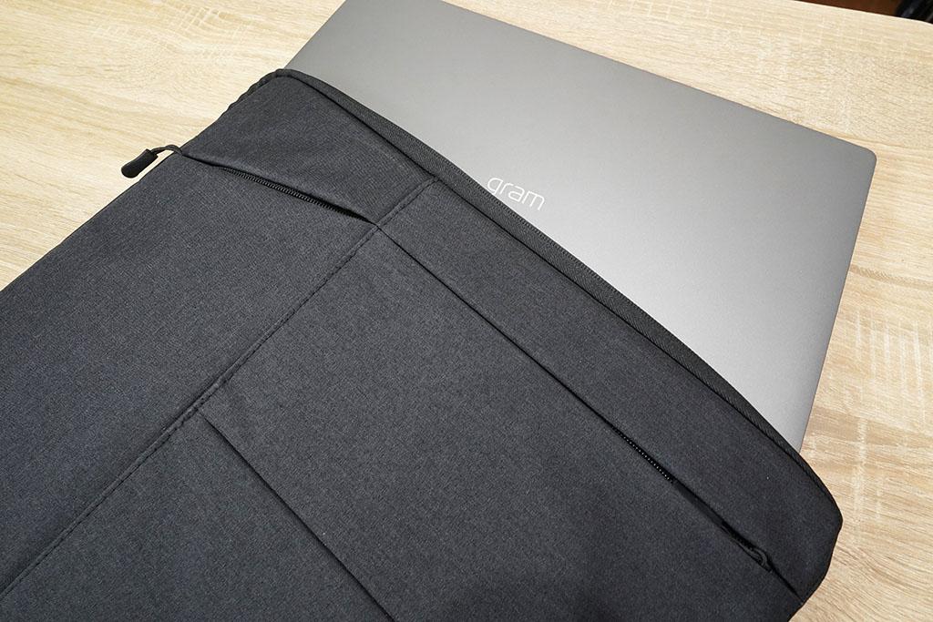 EvoonノートPCケース:LG gram 17インチを挿入してみた