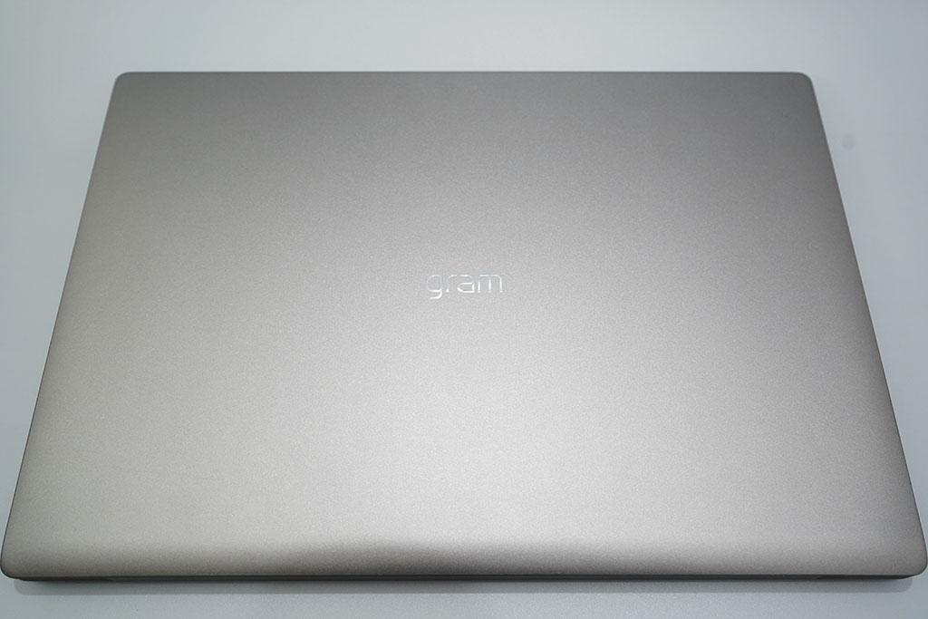 LG gram 17Z90N:筐体