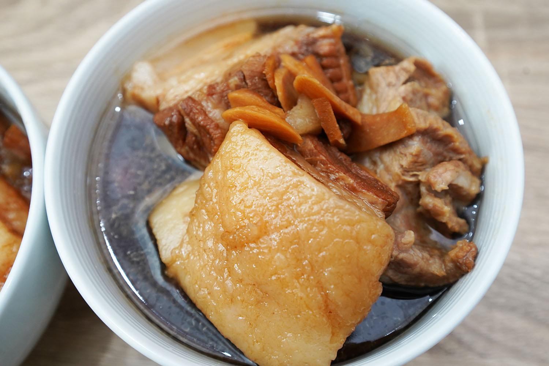 豚の角煮:完成品のアップ HW24C
