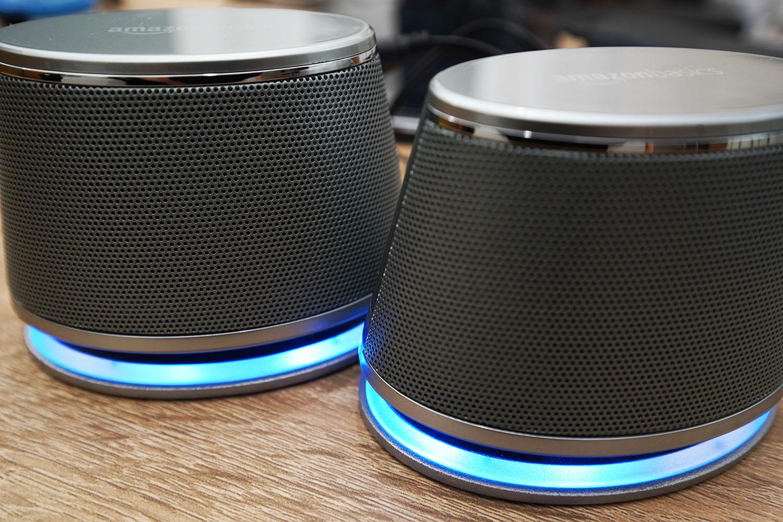 Amazonベーシック:USBダイナミックスピーカーは使用時底面が青く光ります