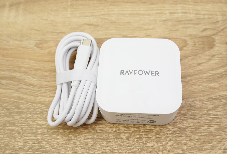 RAVPower RP-PC128:このモデルだけUSB Type-C to Cケーブルが付属します