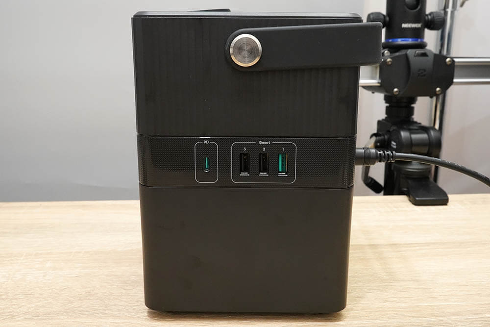 RP-PB187:USBポート(Type-AおよびC)