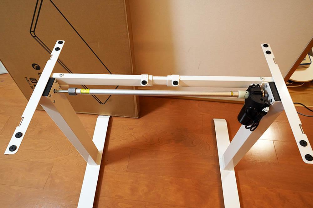 FlexiSpot EC1/EN1:脚を組み立てたところ